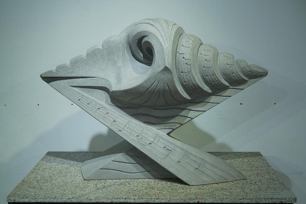 Ngắm tác phẩm của các điêu khắc gia sau mùa dịch COVID-19 - Ảnh 8.