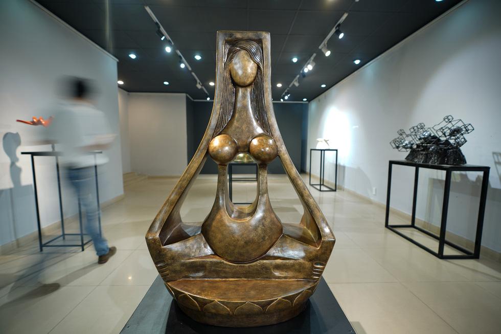 Ngắm tác phẩm của các điêu khắc gia sau mùa dịch COVID-19 - Ảnh 5.
