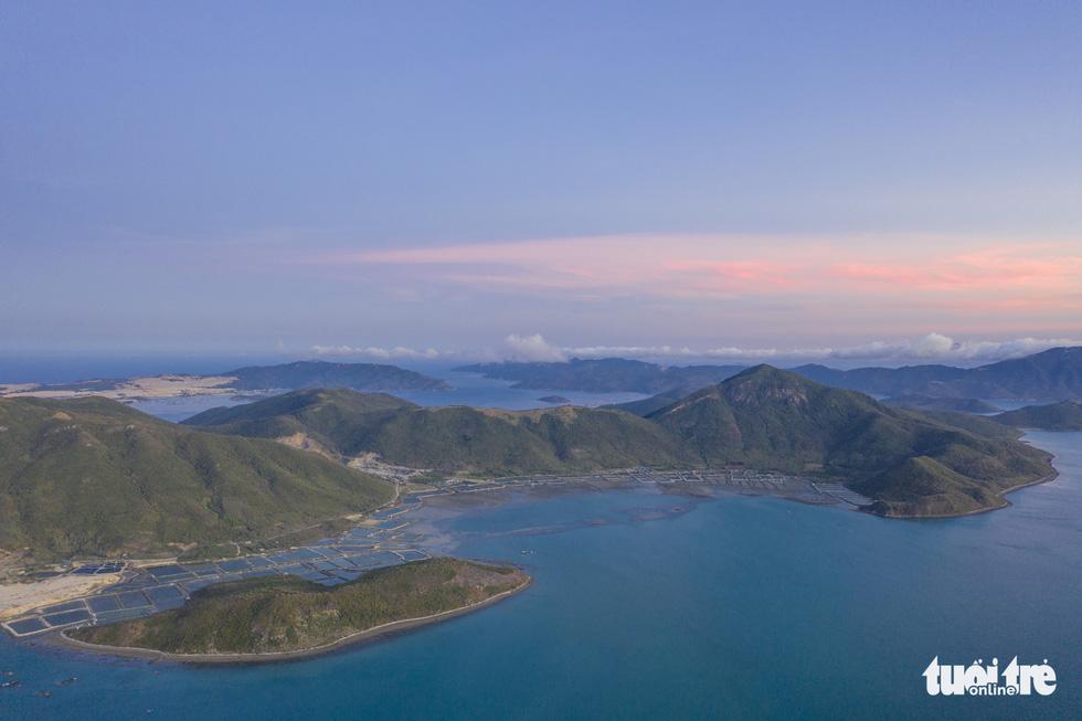 Chơi xả hơi trọn mùa hè ở Nha Trang, một trong những vịnh đẹp nhất thế giới - Ảnh 8.