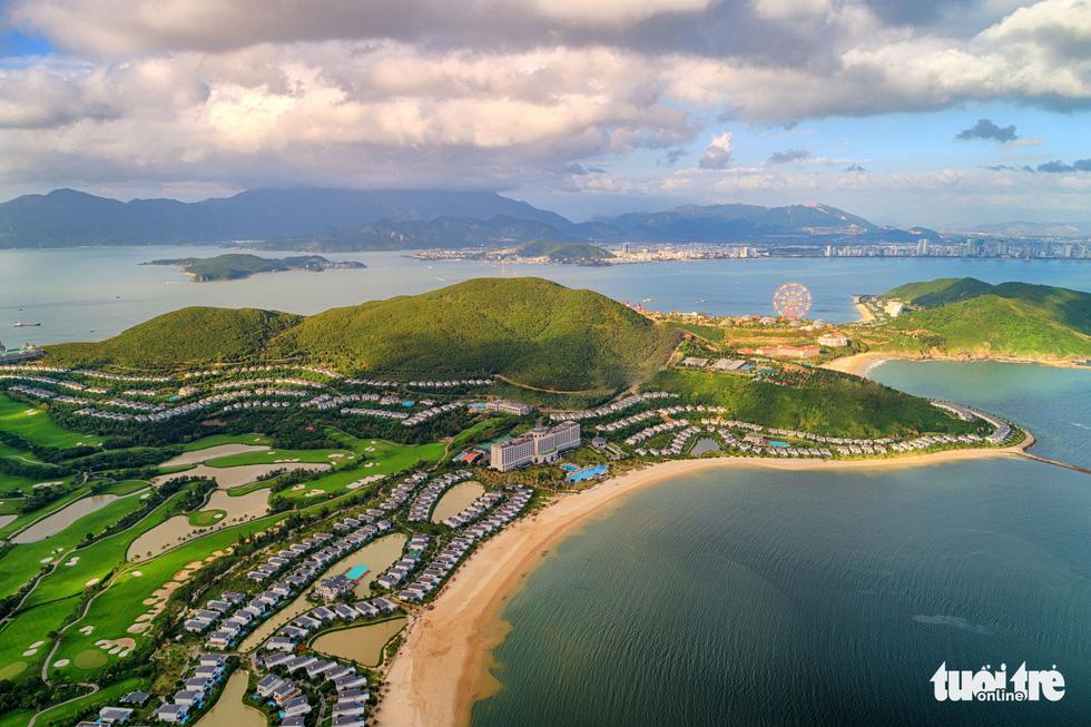 Chơi xả hơi trọn mùa hè ở Nha Trang, một trong những vịnh đẹp nhất thế giới - Ảnh 7.