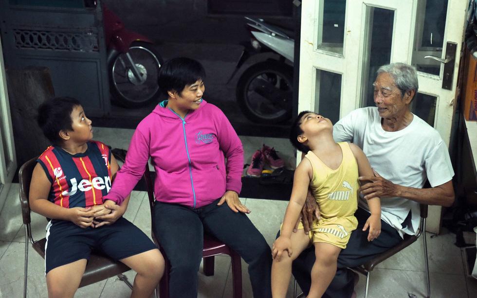 Ba Minh của những đứa con khuyết tật - Ảnh 8.