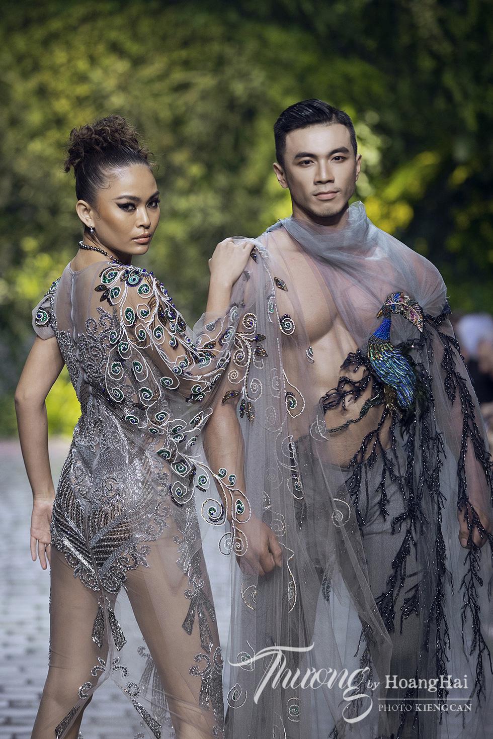 Dàn siêu mẫu, hoa hậu tái xuất rạng rỡ tại Thương by Hoàng Hải - Ảnh 5.