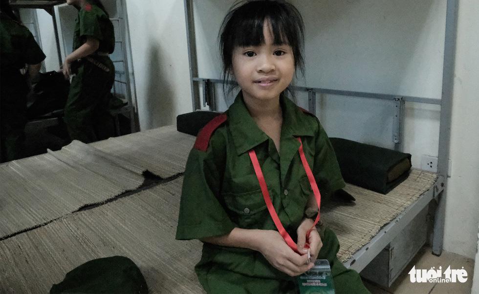 Hơn 100 bạn nhỏ học làm chiến sĩ công an - Ảnh 3.