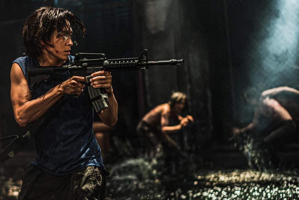 Bom tấn Hàn Peninsula - Bán đảo đè bẹp phim Việt với suất chiếu gấp 70 lần - Ảnh 6.