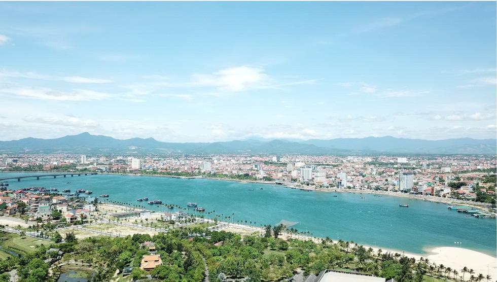 Đến Quảng Bình tắm mát suối Chày, Nước Moọc - Ảnh 1.