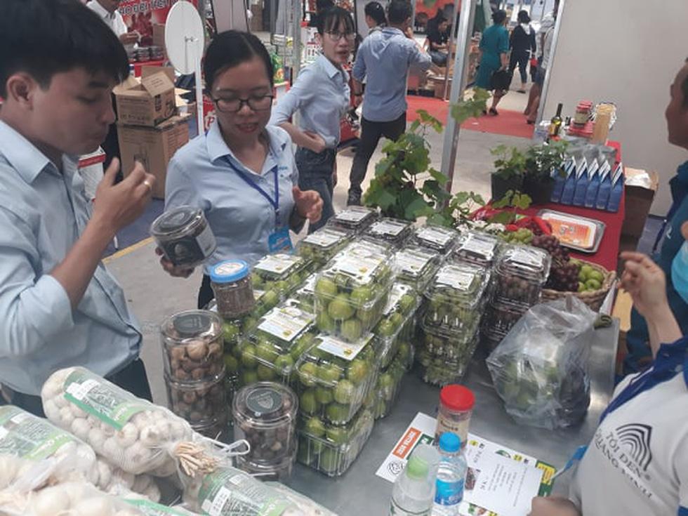 Đặc sản 3 miền tràn về Sài Gòn với 650 gian hàng, 100% mặt hàng giảm giá tẹt ga - Ảnh 3.