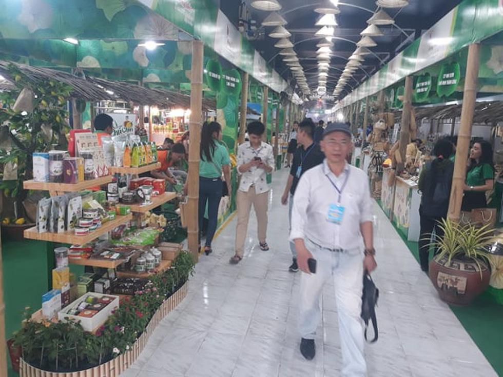Đặc sản 3 miền tràn về Sài Gòn với 650 gian hàng, 100% mặt hàng giảm giá tẹt ga - Ảnh 12.