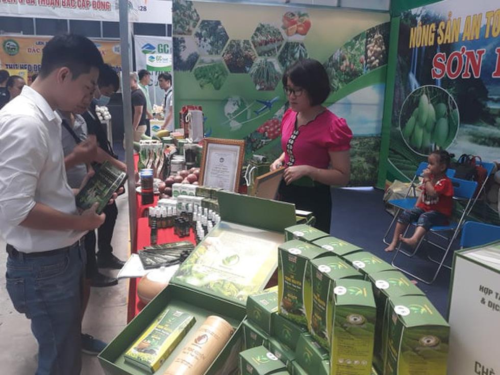 Đặc sản 3 miền tràn về Sài Gòn với 650 gian hàng, 100% mặt hàng giảm giá tẹt ga - Ảnh 7.
