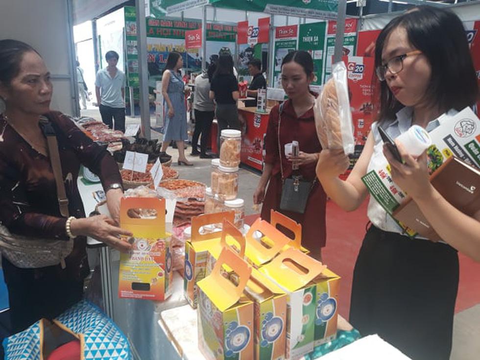 Đặc sản 3 miền tràn về Sài Gòn với 650 gian hàng, 100% mặt hàng giảm giá tẹt ga - Ảnh 8.