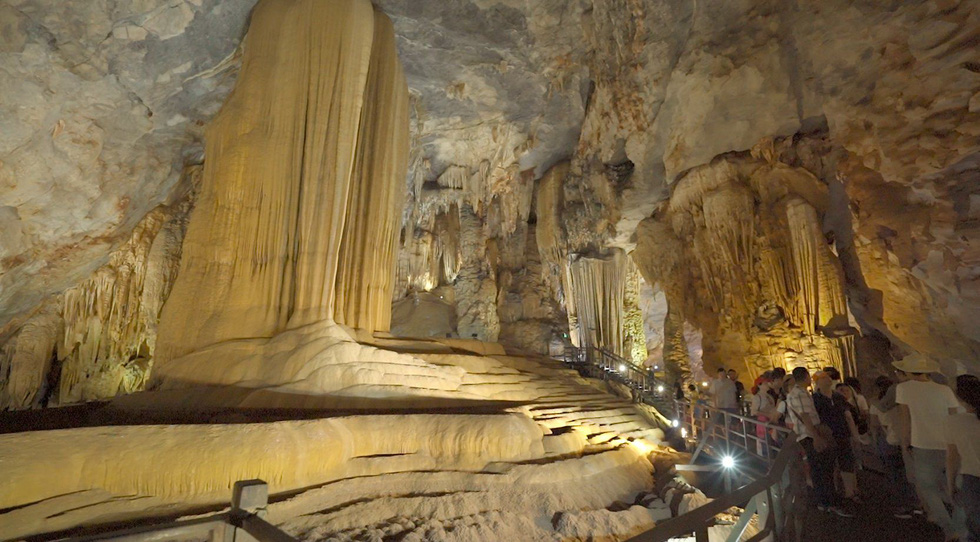 Đến Quảng Bình tắm mát suối Chày, Nước Moọc - Ảnh 8.