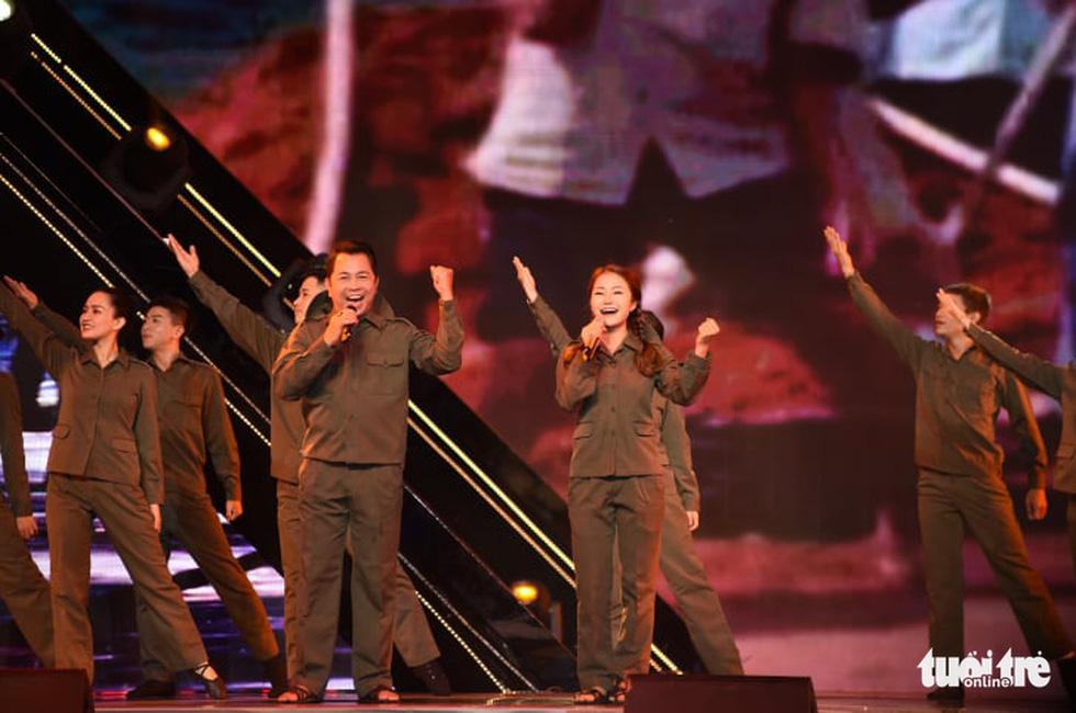 Cẩm Vân, Võ Hạ Trâm hát vì niềm tự hào thành phố mang tên Bác - Ảnh 10.