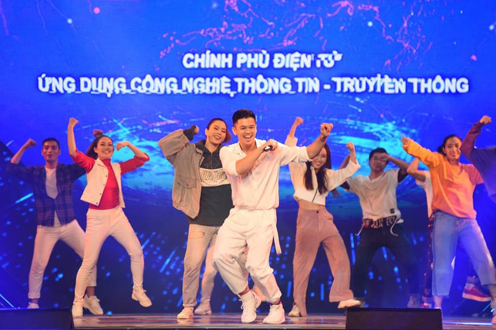 Cẩm Vân, Võ Hạ Trâm hát vì niềm tự hào thành phố mang tên Bác - Ảnh 7.