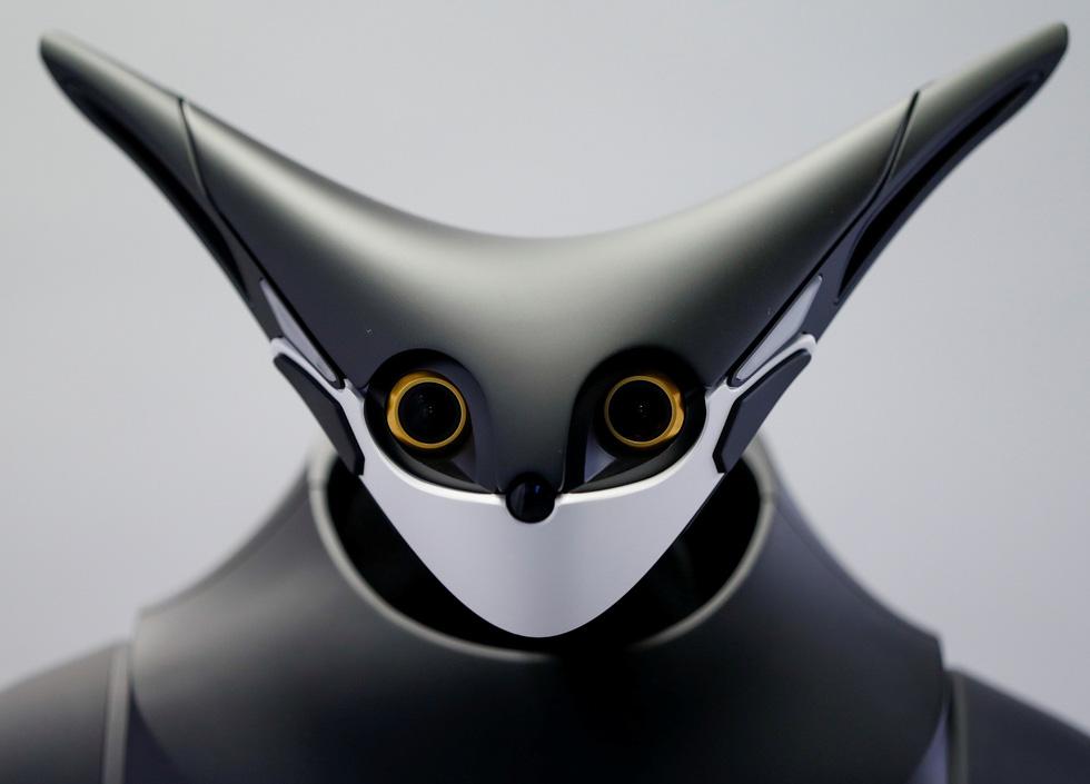 Robot kangaroo làm nhân viên của FamilyMart ở Nhật - Ảnh 7.