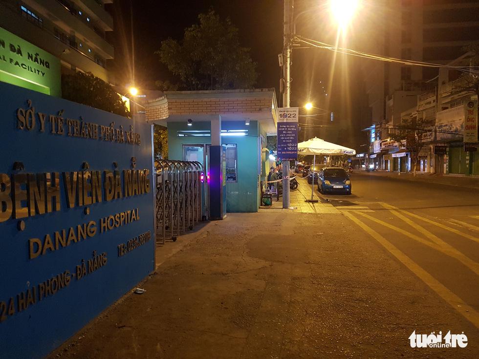 Đà Nẵng chính thức phong tỏa 4 tuyến đường quanh 3 bệnh viện - Ảnh 8.