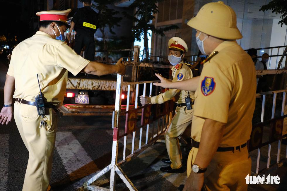 Đà Nẵng chính thức phong tỏa 4 tuyến đường quanh 3 bệnh viện - Ảnh 3.