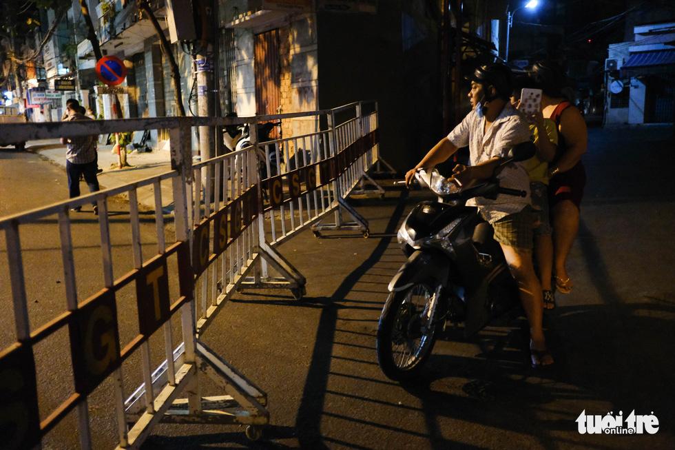 Đà Nẵng chính thức phong tỏa 4 tuyến đường quanh 3 bệnh viện - Ảnh 7.