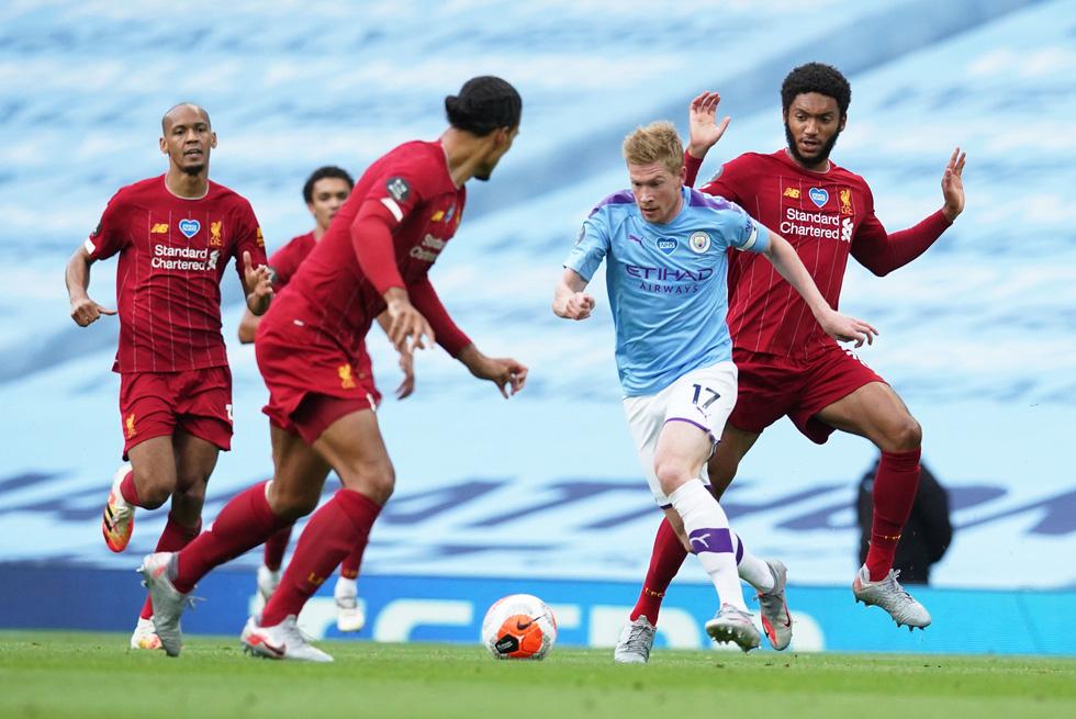 Chùm ảnh: Man City chào tân vương Liverpool, tặng luôn trận thua muối mặt - Ảnh 4.