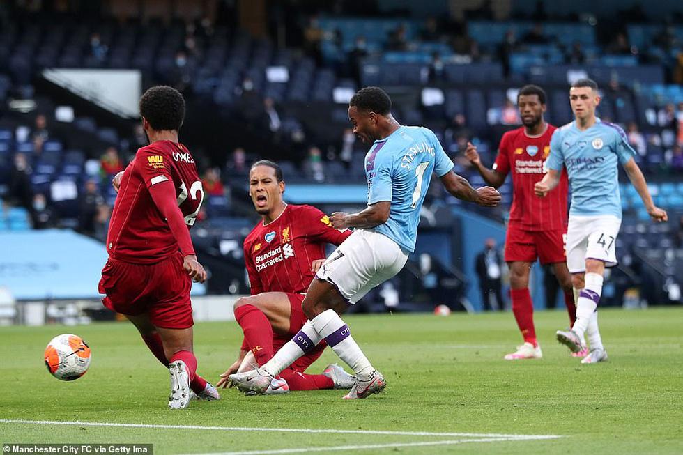 Chùm ảnh: Man City chào tân vương Liverpool, tặng luôn trận thua muối mặt - Ảnh 7.