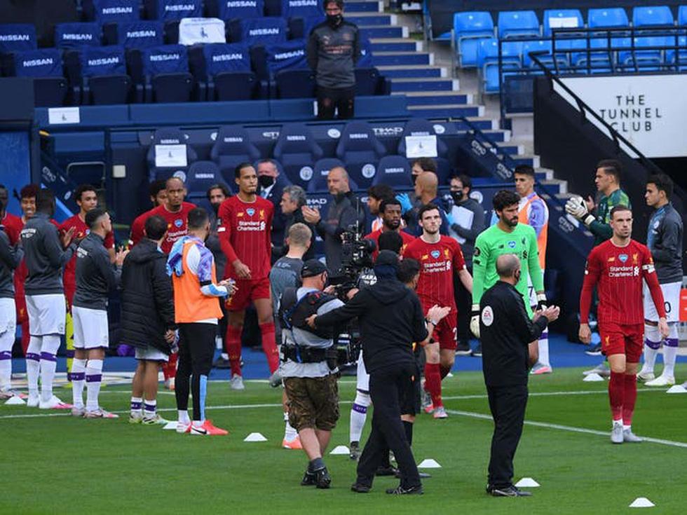Chùm ảnh: Man City chào tân vương Liverpool, tặng luôn trận thua muối mặt - Ảnh 1.