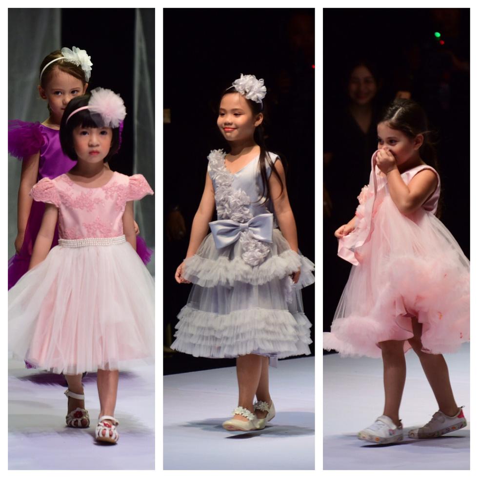 Hoa hậu Khánh Vân diễn thời trang cùng mẫu nhí tại Vietnam Junior Fashion Week - Ảnh 5.