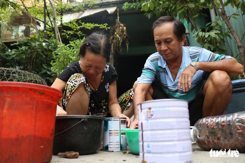 Hơn 20 năm sống bằng nghề bắt gián ở Sài Gòn - Ảnh 1.