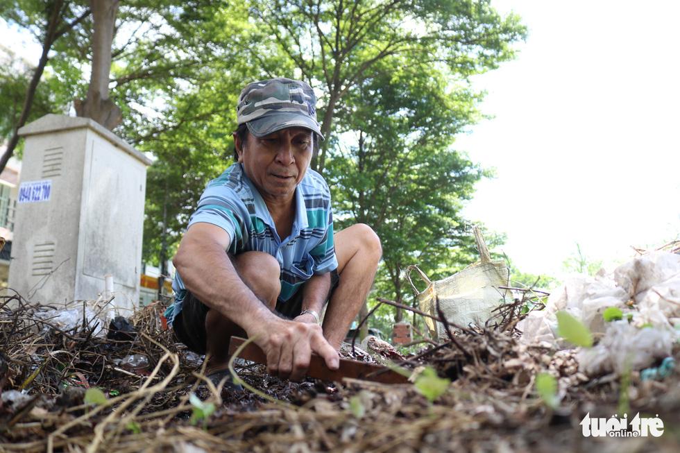 Hơn 20 năm sống bằng nghề bắt gián ở Sài Gòn - Ảnh 4.