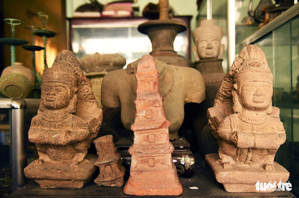 Choáng với kho đồ hàng trăm ngàn cổ vật của một người gốc Hà Nội sống ở Sài Gòn - Ảnh 10.
