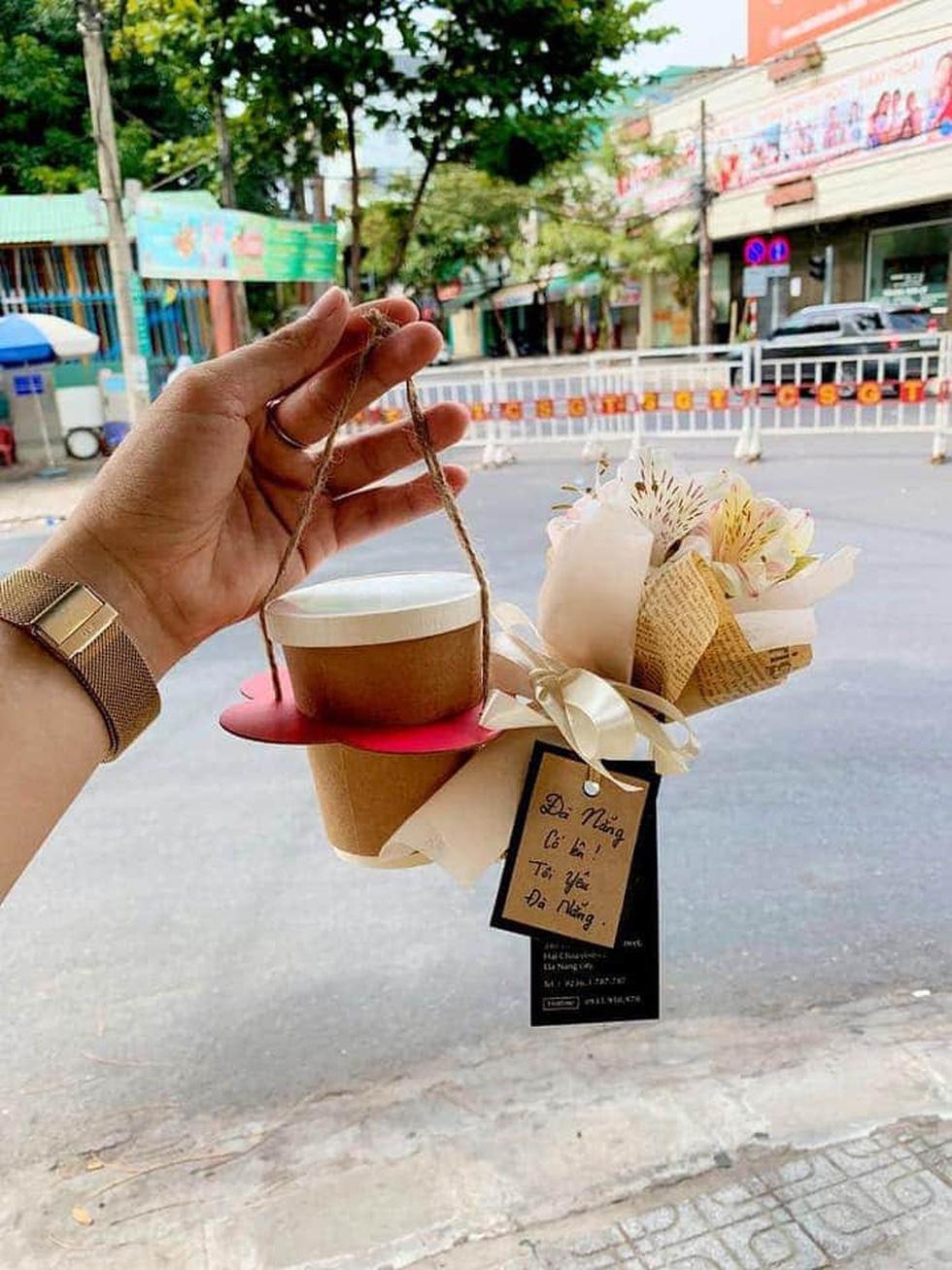 Những món quà cưng gửi tuyến đầu của người dân Đà Nẵng - Ảnh 2.