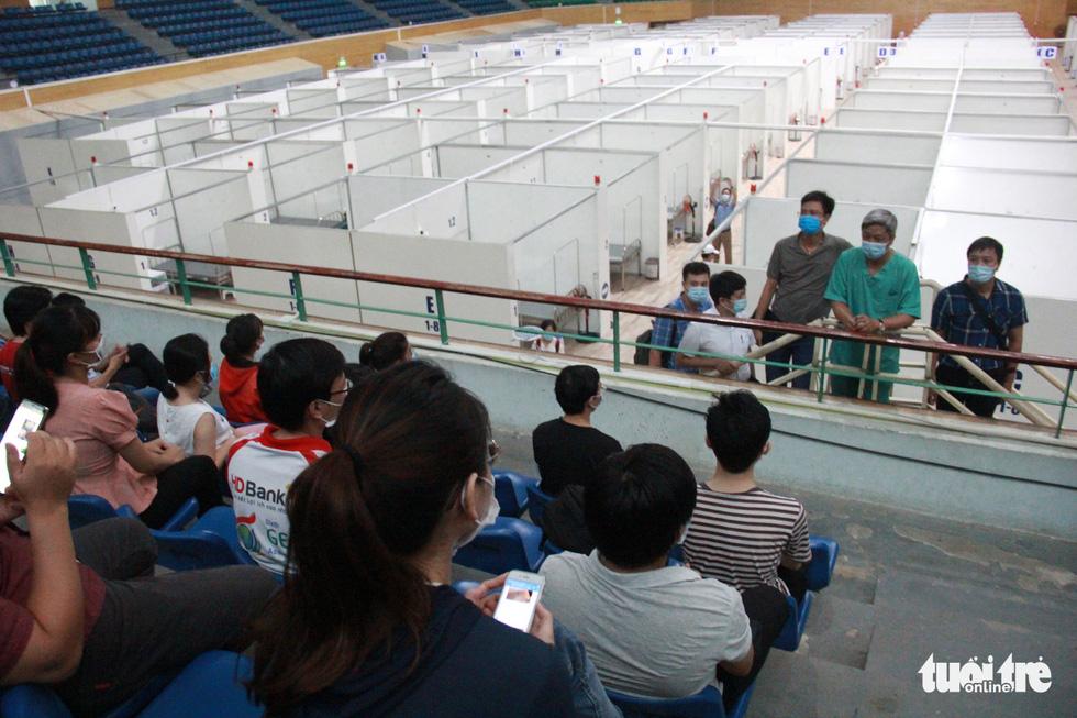 Vận hành thử bệnh viện dã chiến ở cung thể thao Tiên Sơn - Ảnh 1.