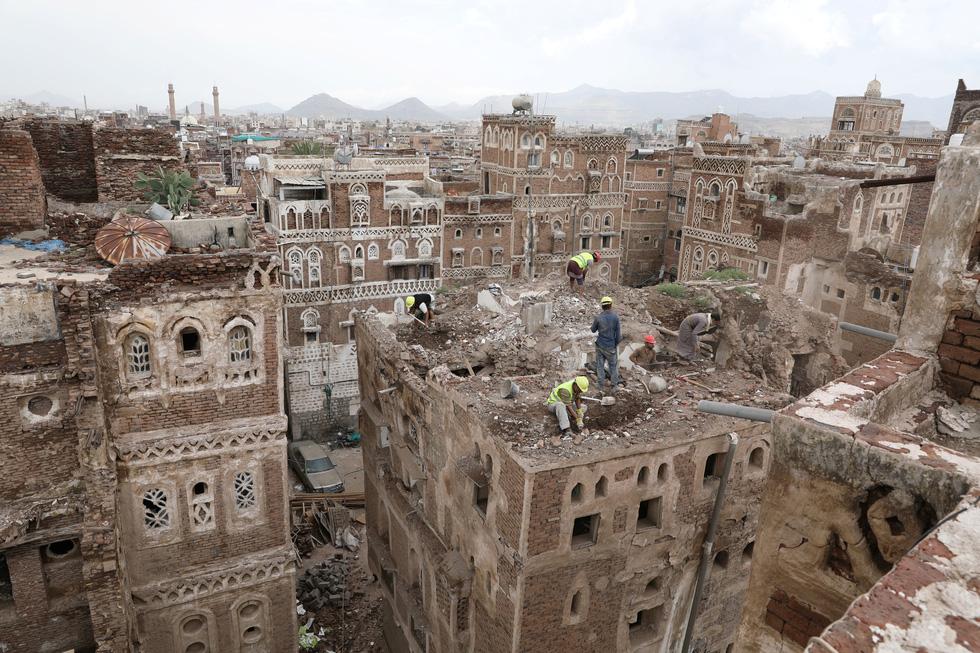 Quặn lòng với thành phố cổ ngàn năm tuổi hư hại nặng vì mưa - Ảnh 2.