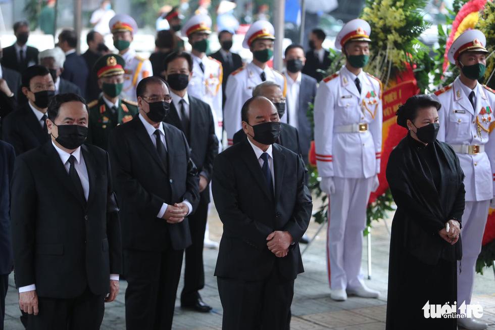 Hai ngày quốc tang, tưởng nhớ và tiễn biệt nguyên Tổng bí thư Lê Khả Phiêu - Ảnh 8.