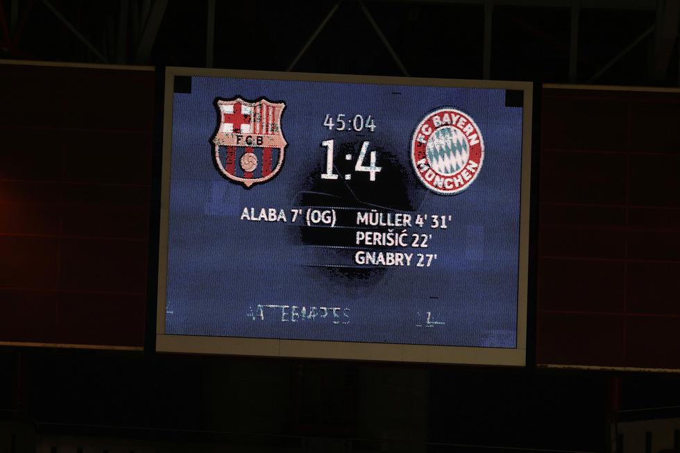 Messi lại vuốt mặt và những khoảnh khắc ấn tượng trận Bayern vùi dập Barca - Ảnh 6.