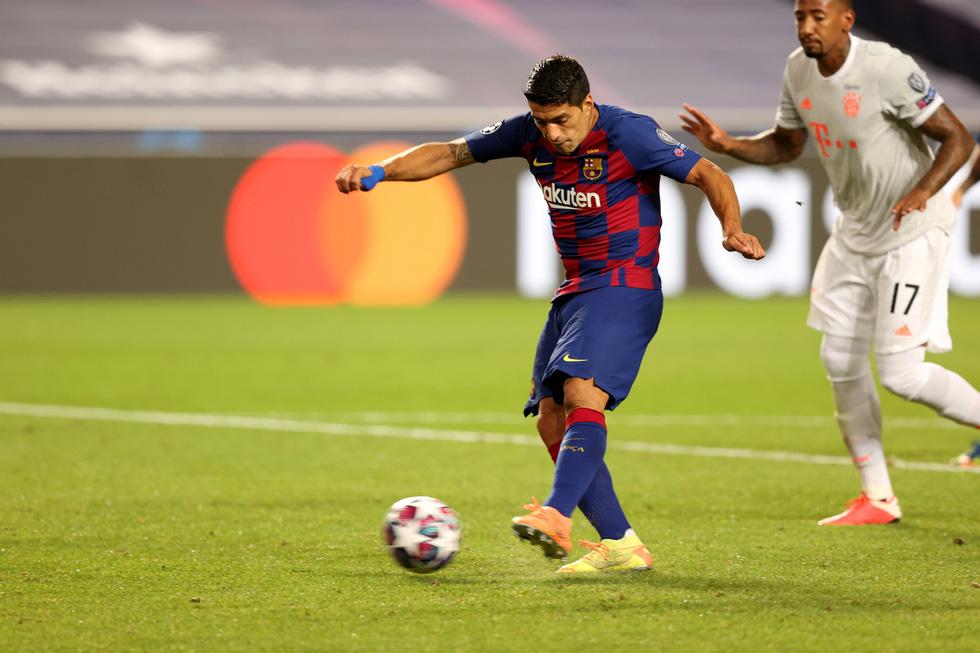 Messi lại vuốt mặt và những khoảnh khắc ấn tượng trận Bayern vùi dập Barca - Ảnh 7.
