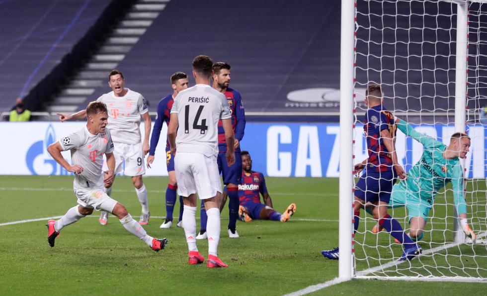Messi lại vuốt mặt và những khoảnh khắc ấn tượng trận Bayern vùi dập Barca - Ảnh 9.