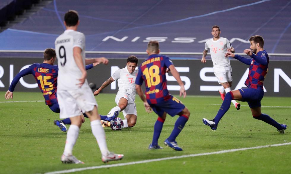 Messi lại vuốt mặt và những khoảnh khắc ấn tượng trận Bayern vùi dập Barca - Ảnh 16.