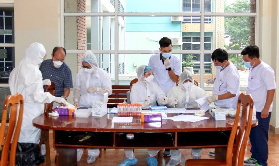 U22 Việt Nam chính thức tập trung, nín thở chờ kết quả xét nghiệm COVID-19 - Ảnh 5.