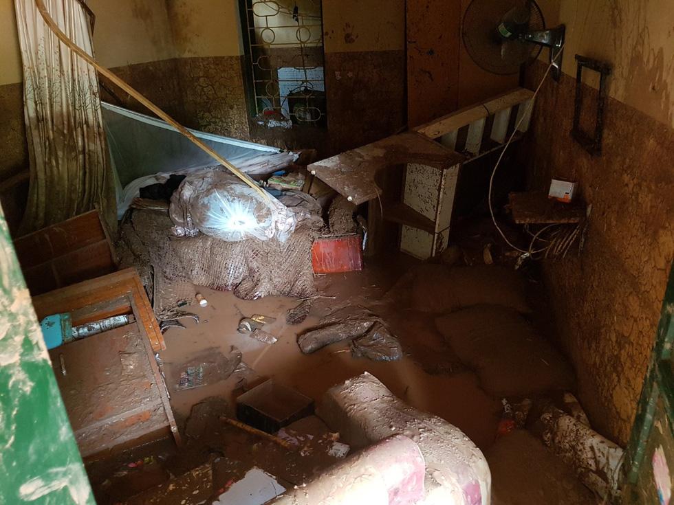 Lũ ống ập về, Trường tiểu học Nậm Nhừ tan hoang trước năm học mới - Ảnh 4.