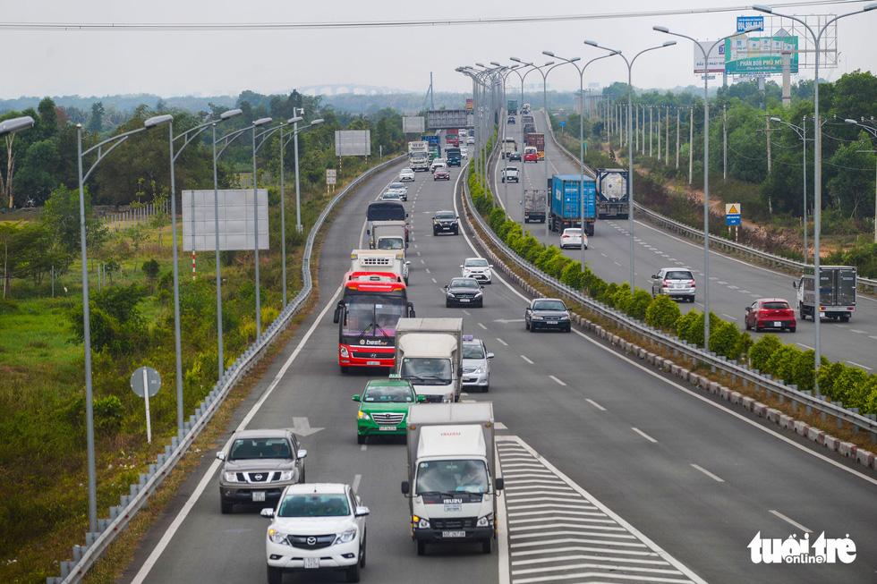 Bao giờ những cây cầu ngàn tỉ nối nhịp, cao tốc thông xe? - Ảnh 9.