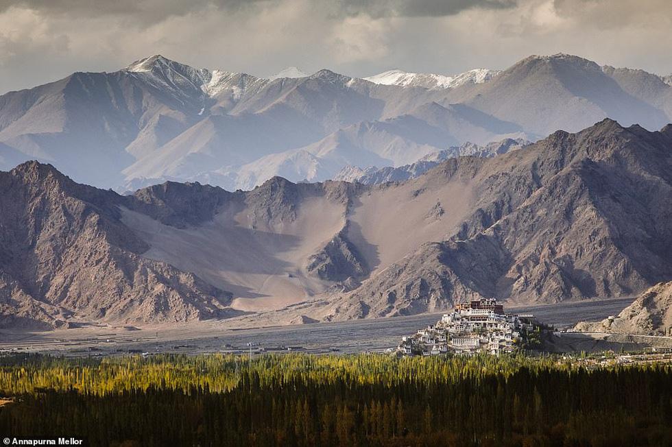 Mùa dịch ở nhà và ngắm thế giới tươi đẹp qua ống kính National Geographic Traveller - Ảnh 10.