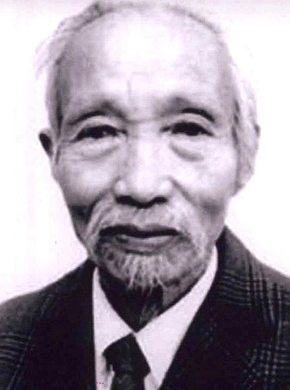 Tưởng thưởng họa sĩ Bùi Trang Chước - người vẽ thực sự Quốc huy Việt Nam - Ảnh 1.