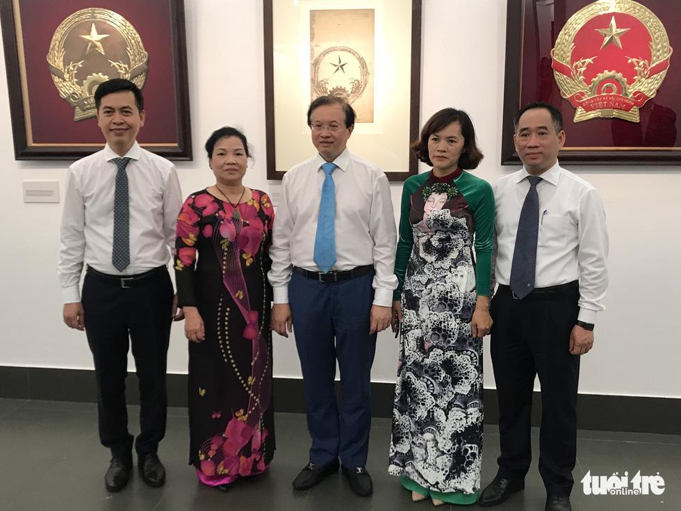 Tưởng thưởng họa sĩ Bùi Trang Chước - người vẽ thực sự Quốc huy Việt Nam - Ảnh 3.
