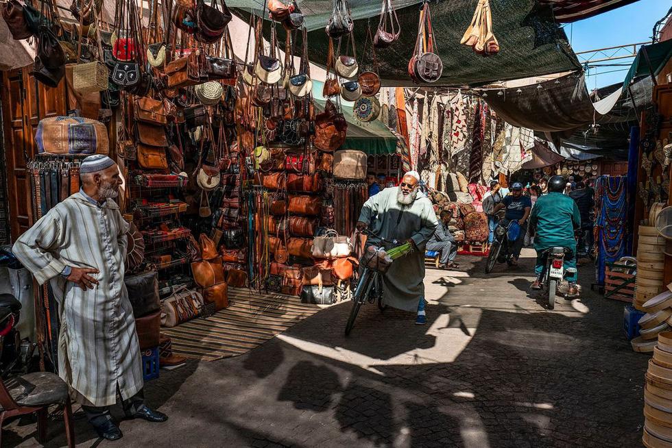 Những xưởng thuộc da truyền thống đẹp như họa phẩm ở Morocco - Ảnh 12.