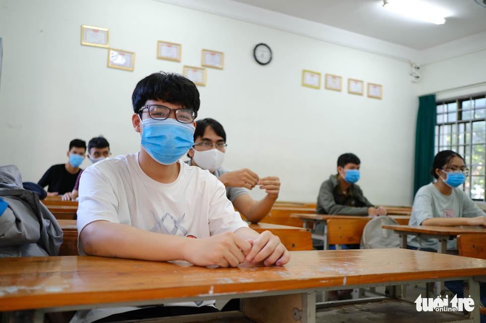 11.000 thí sinh Đà Nẵng đi xét nghiệm COVID-19, chuẩn bị bước vào kỳ thi đặc biệt - Ảnh 6.