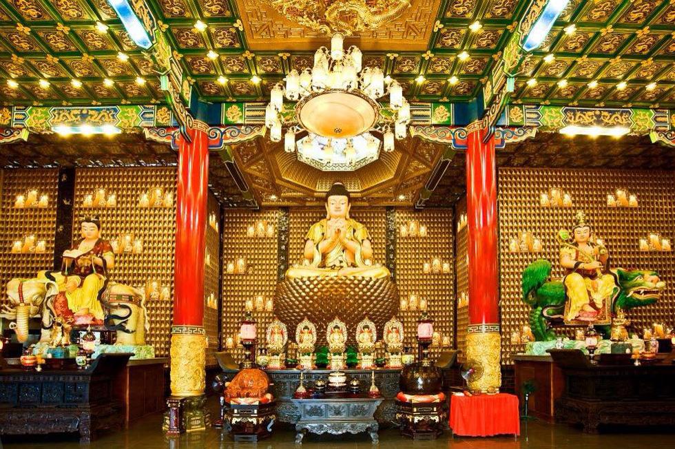 130 ngôi chùa Việt trong series tham vọng 1000 chùa của chàng đạo diễn trẻ - Ảnh 6.
