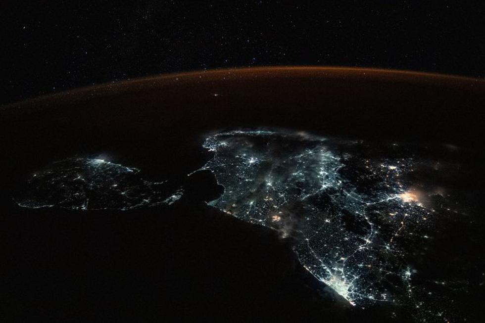 Trái đất tuyệt đẹp chụp từ tàu Crew Dragon trong chuyến bay lịch sử - Ảnh 14.