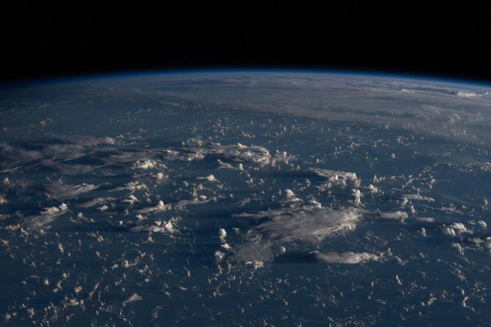 Trái đất tuyệt đẹp chụp từ tàu Crew Dragon trong chuyến bay lịch sử - Ảnh 15.