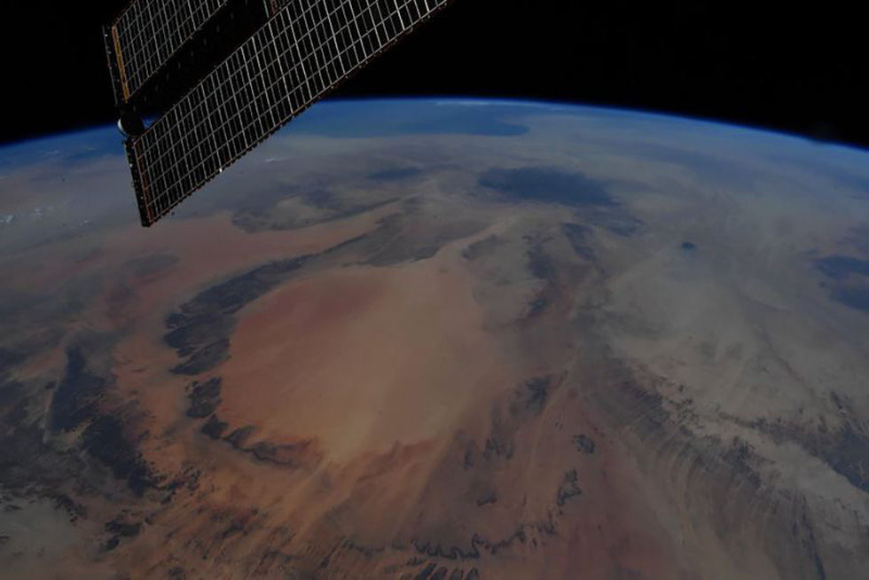 Trái đất tuyệt đẹp chụp từ tàu Crew Dragon trong chuyến bay lịch sử - Ảnh 17.