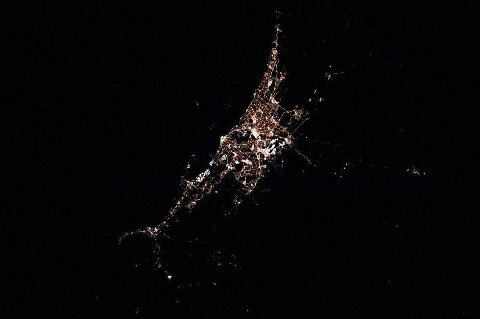 Trái đất tuyệt đẹp chụp từ tàu Crew Dragon trong chuyến bay lịch sử - Ảnh 6.