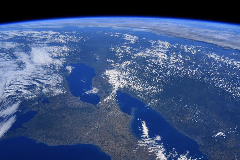 Trái đất tuyệt đẹp chụp từ tàu Crew Dragon trong chuyến bay lịch sử - Ảnh 7.