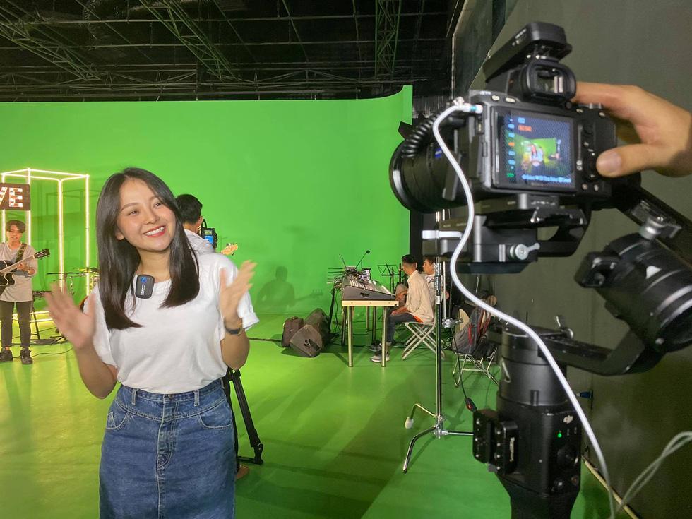 19h tối nay phát sóng Khám phá trường học tại ĐH Duy Tân - Ảnh 1.